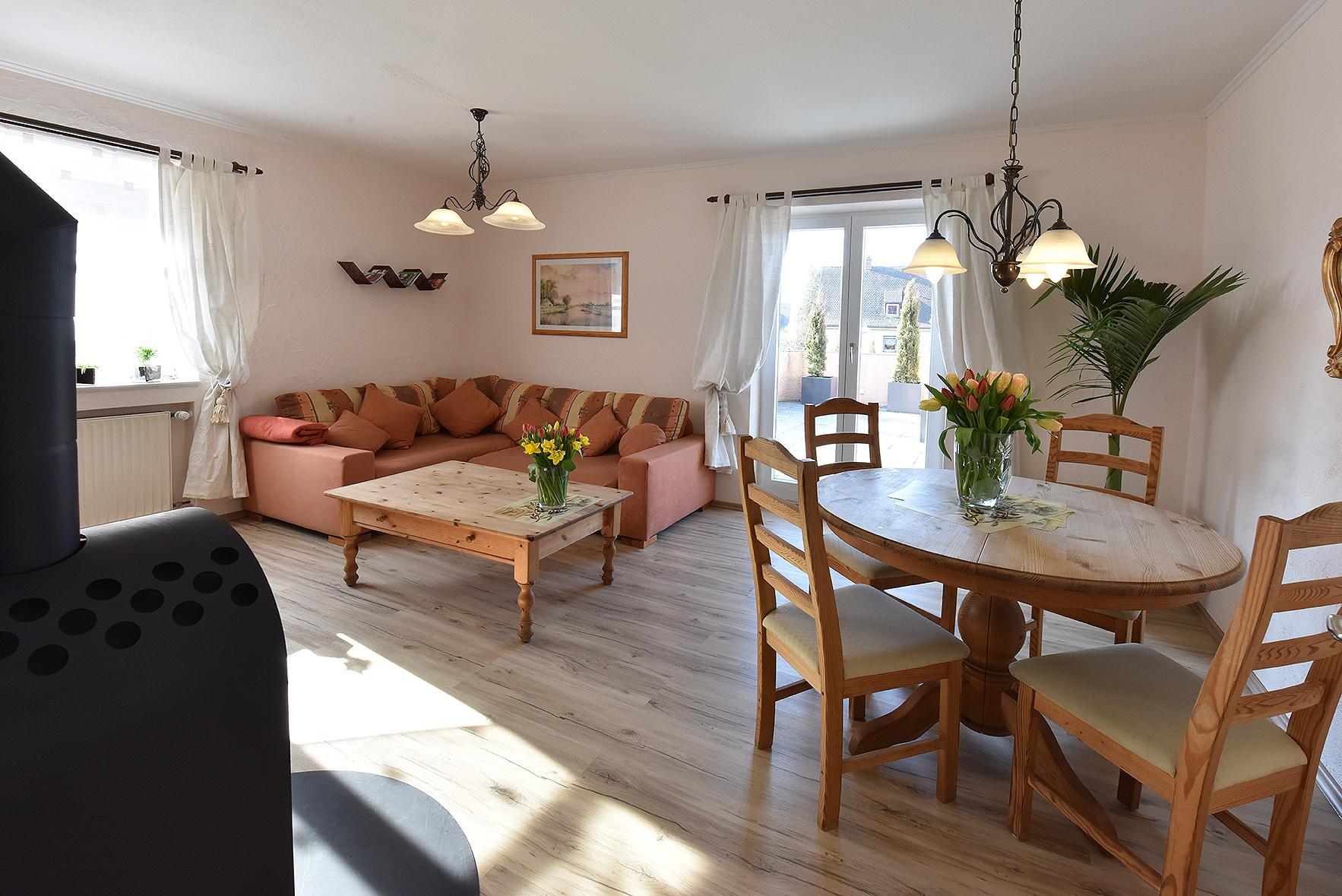 Gabys ferienwohnungen for Wohnzimmer 80 qm